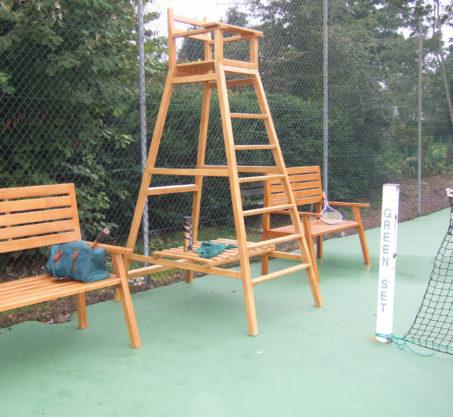 Chaise d'arbitre bois club de tennis